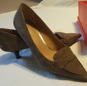 Coach Winnie Suede Pumps Size 7.5 with box